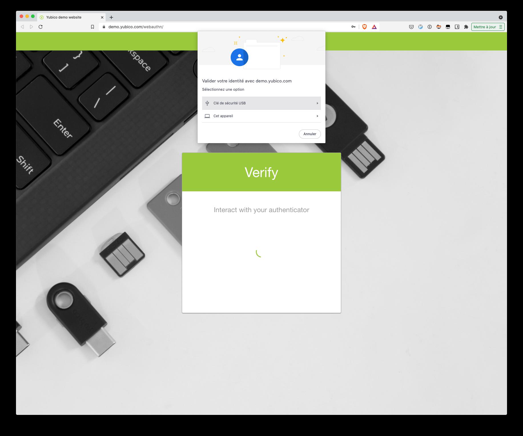 S'authentifier avec un facteur tiers en utilisant l'API WebAuthn